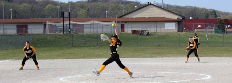 softball-tay-pitching-photo